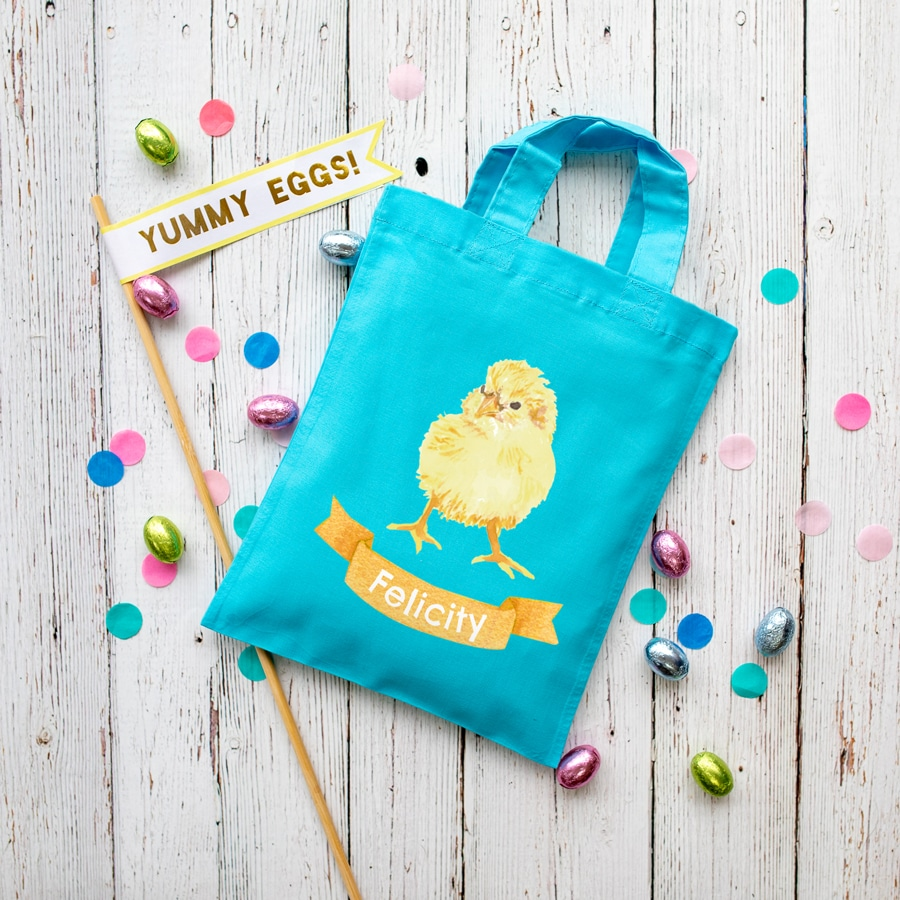 Personalised chick Easter bag (Turquoise bag) is the perfect way to make your child's Easter egg hunt super special this year