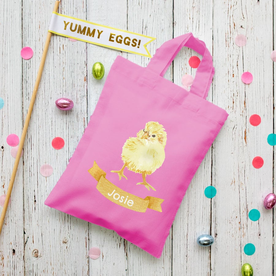 Personalised chick Easter bag (Pink bag) is the perfect way to make your child's Easter egg hunt super special this year