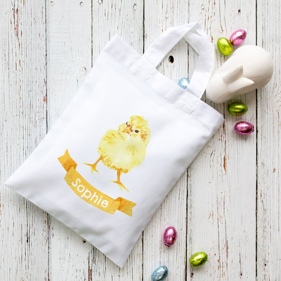 Personalised chick Easter bag (White bag) is the perfect way to make your child's Easter egg hunt super special this year