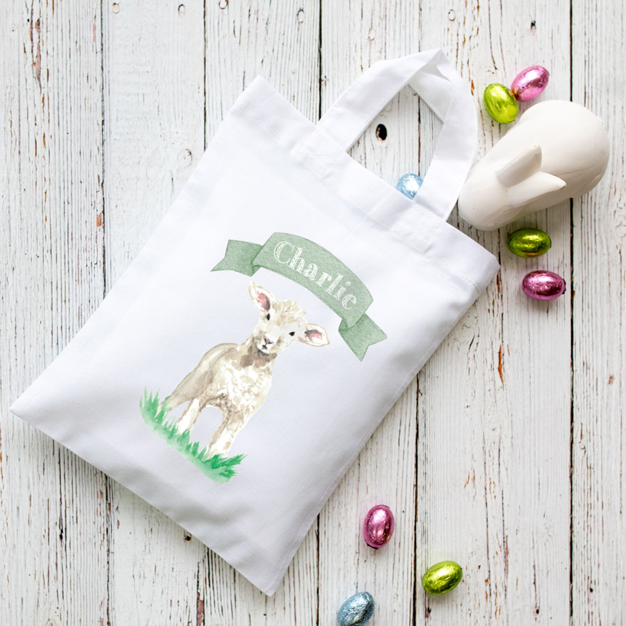 Personalised lamb Easter bag (White bag) is the perfect way to make your child's Easter egg hunt super special this year