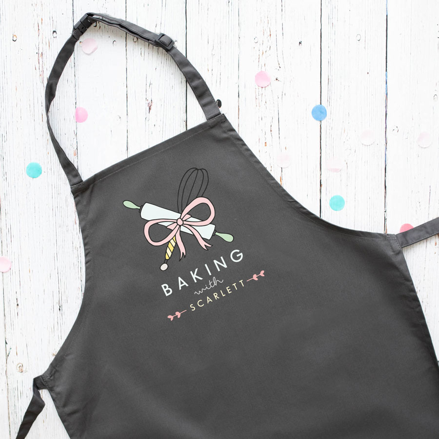Personalised baking apron (Adult - Grey) is a perfect gift for a keen baker and fully personalisable with a name of your choice