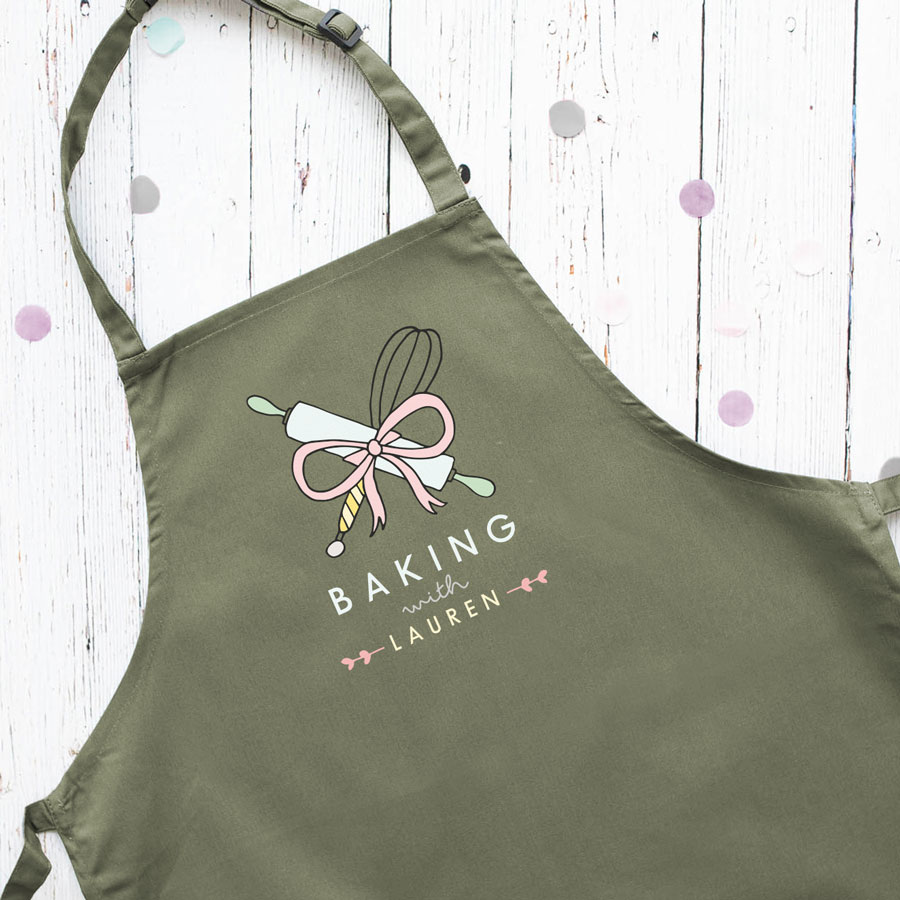 Personalised baking apron (Adult - Sage) is a perfect gift for a keen baker and fully personalisable with a name of your choice