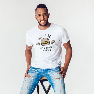 Personalised best burgers Men's T-shirt (White) perfect gift for fathers day, birthday or Christmas